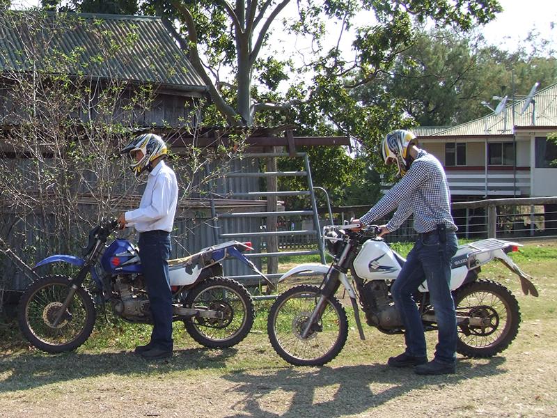 Motorbiking auf Trainingsranch