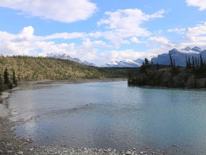 Flusslandschaft in Alberta