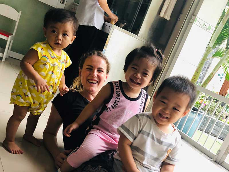 p-vietnam-volunteering-lea-mit-kindern